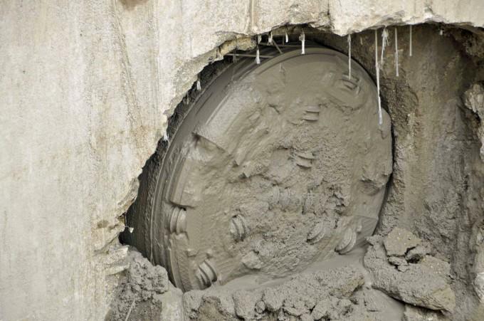 sorek-tbm-break-through-intake-shaft-05